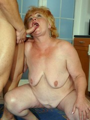 Curly old whore was fucked on the kitchen