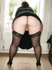 Mature ex-Girlfriends & Wives - Big Asses
