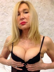 Watch more amateur milfs and huge breasts
