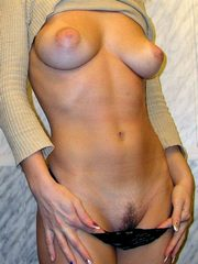 Sexy bodied amateur MILFs nude