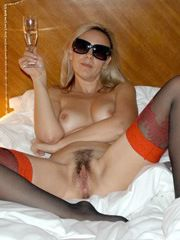 Naked mature dreamer show her erotic..
