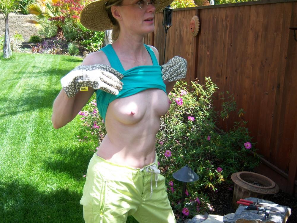 nude wife in garden