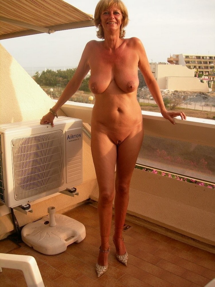 lady british nude Mature