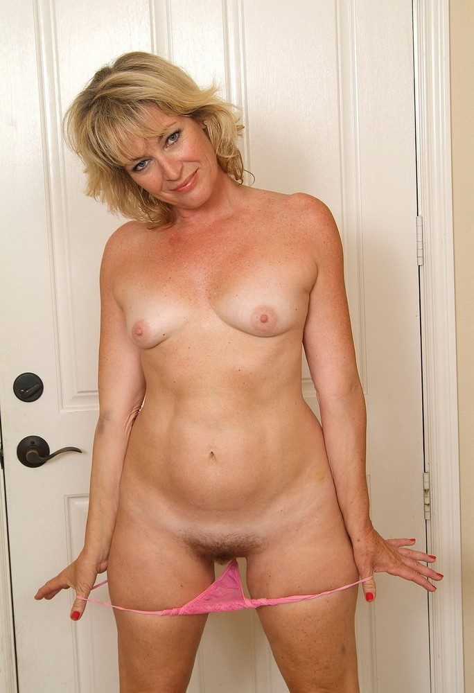Mom still horny at old age 2
