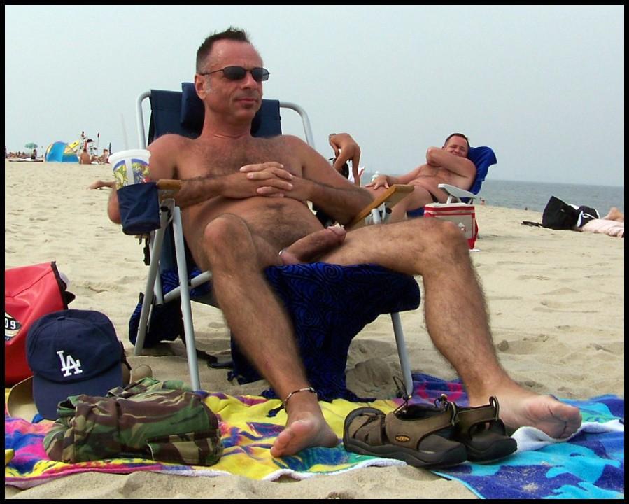 фото голые мужики на пляже