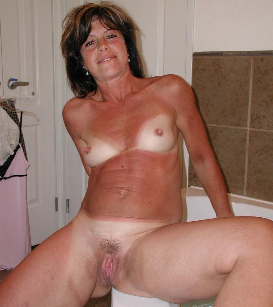 mature and shaved