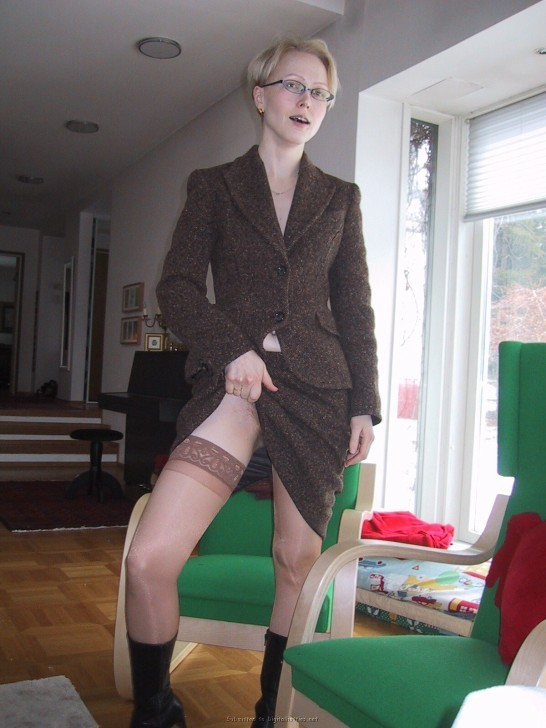 Likely Real wives in stockings stehe