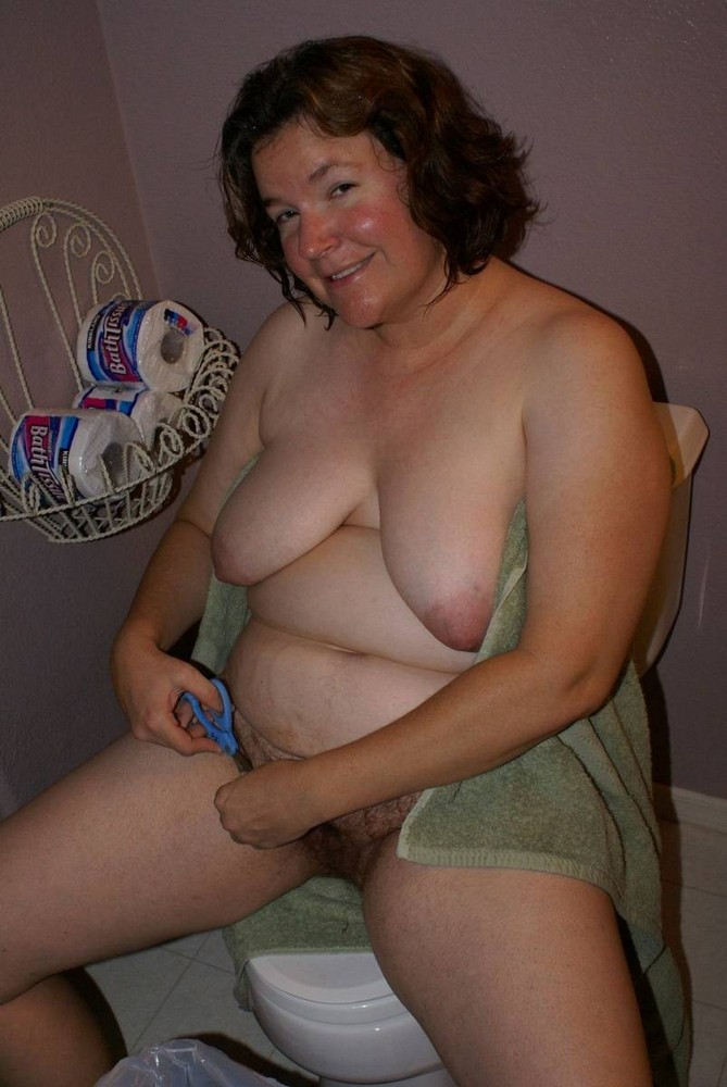 nude big breasted pregnant women