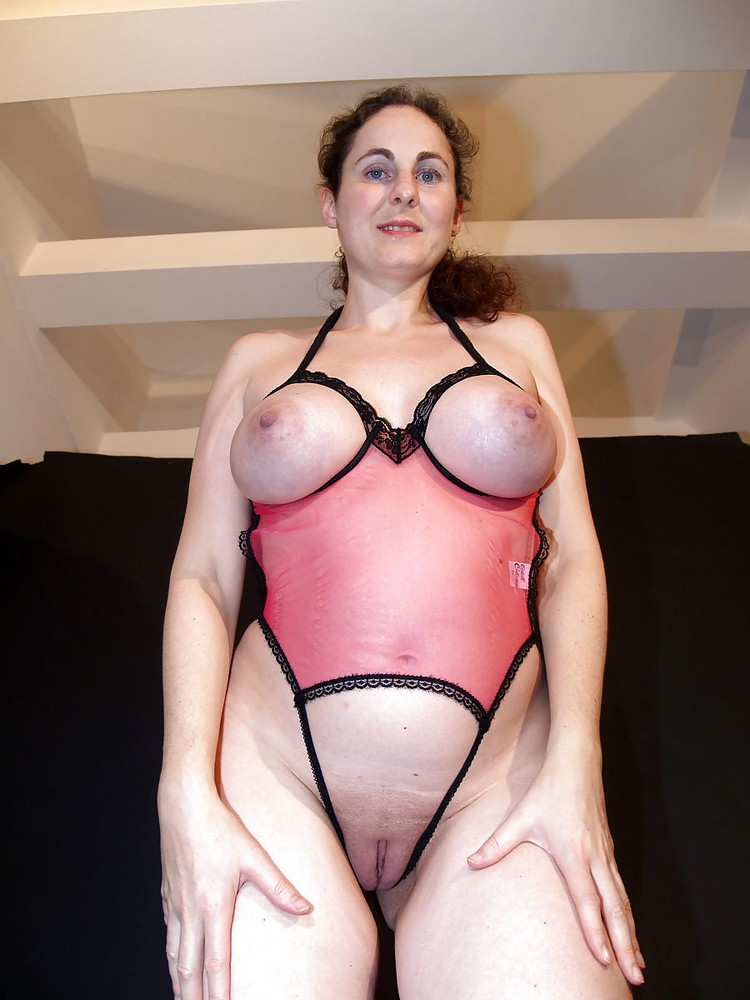 German mother in lingerie seduce to fuck at work by employer - 1 part 6