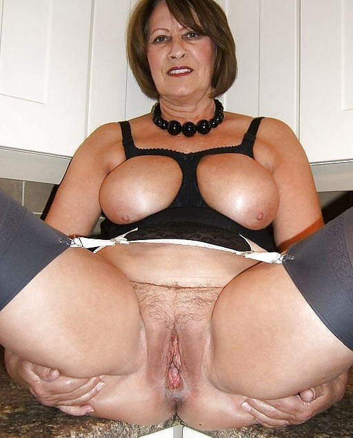 plump mature moms