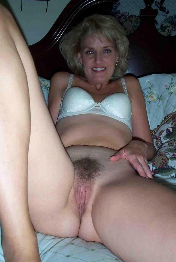 ex girlfriends mom nude
