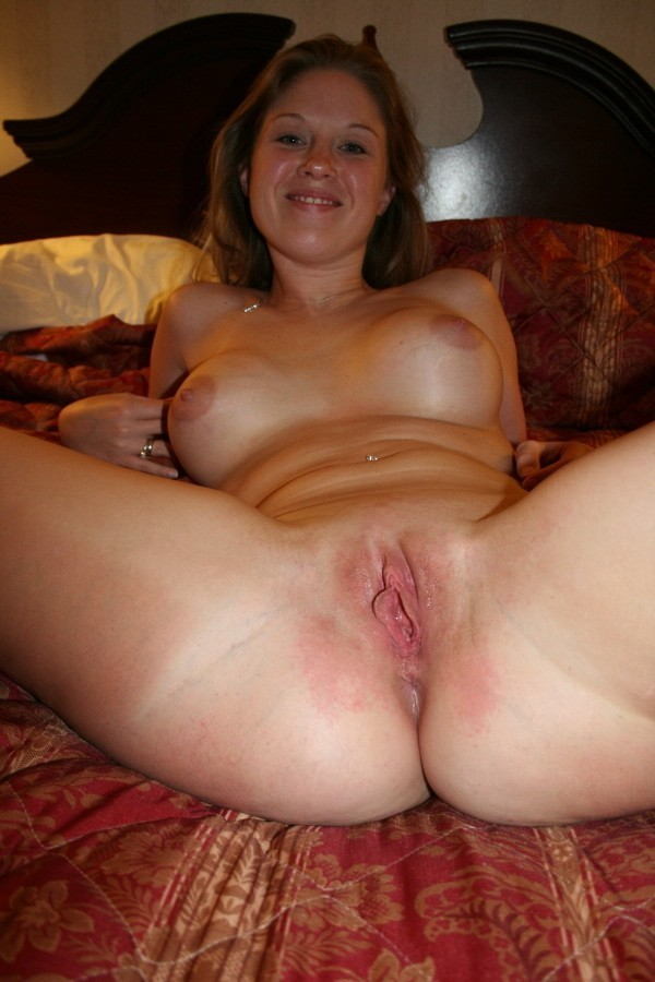 shaved juicy asian pussy