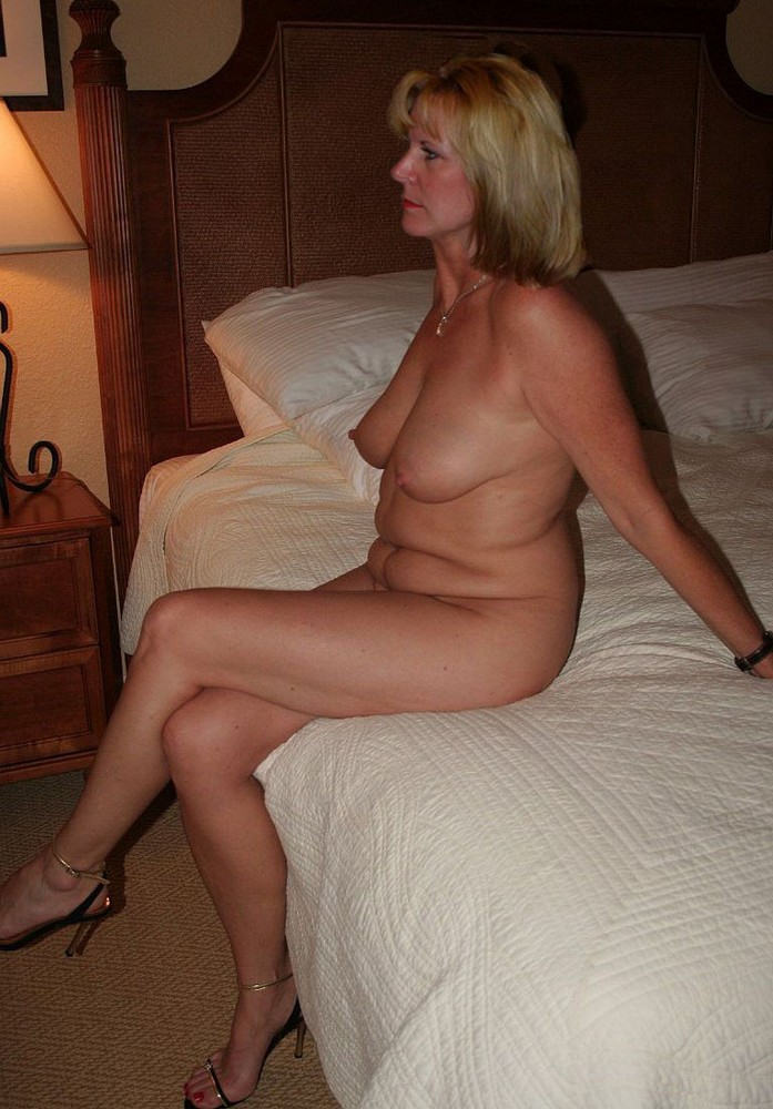 Amateur nude old ladies