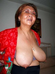 Saggy Asians boobs amateur pictures